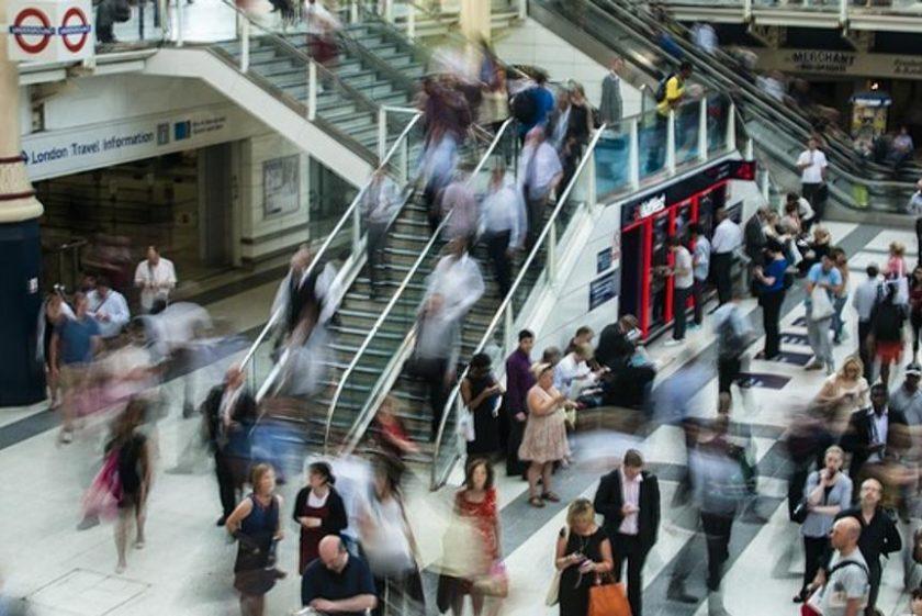Energia pulita dai passi dei pendolari