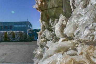 Scoperto un nuovo metodo per il riciclo della plastica