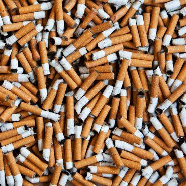 Una startup genovese trasforma i mozziconi di sigaretta in materie prime