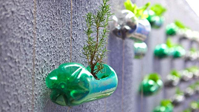 Plastica più eco-sostenibile nella strategia europea per l'economia circolare.